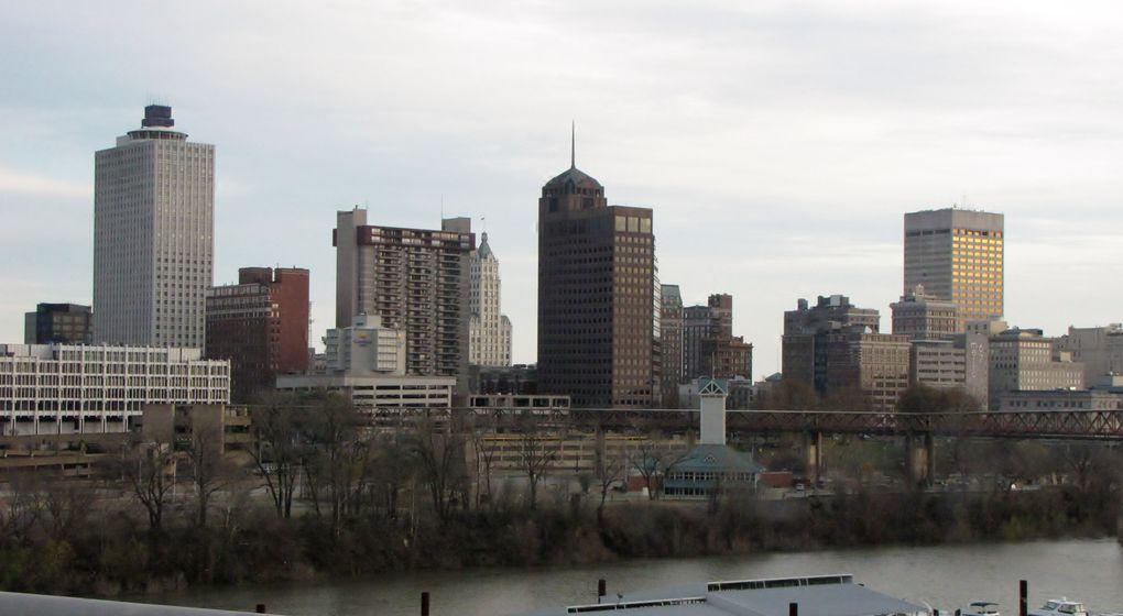 Après le départ de nos premiers visiteurs et l'arrivée des suivants, nous sommes allés à Memphis...
