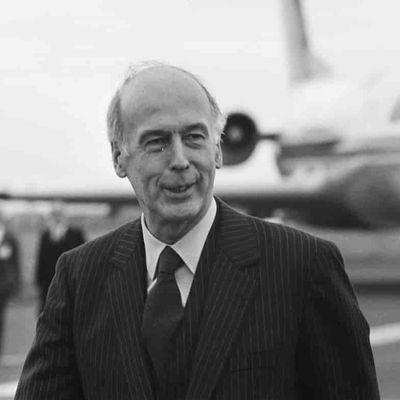 Condoléances à la famille et aux proches de Valéry Giscard d'Estaing