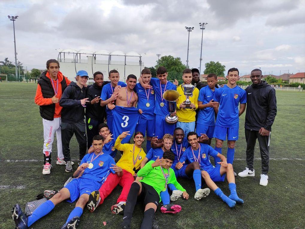 Les U17 (2) de Vénissieux FC se sont montrés plus réalistes que les Lyonnais du FCL