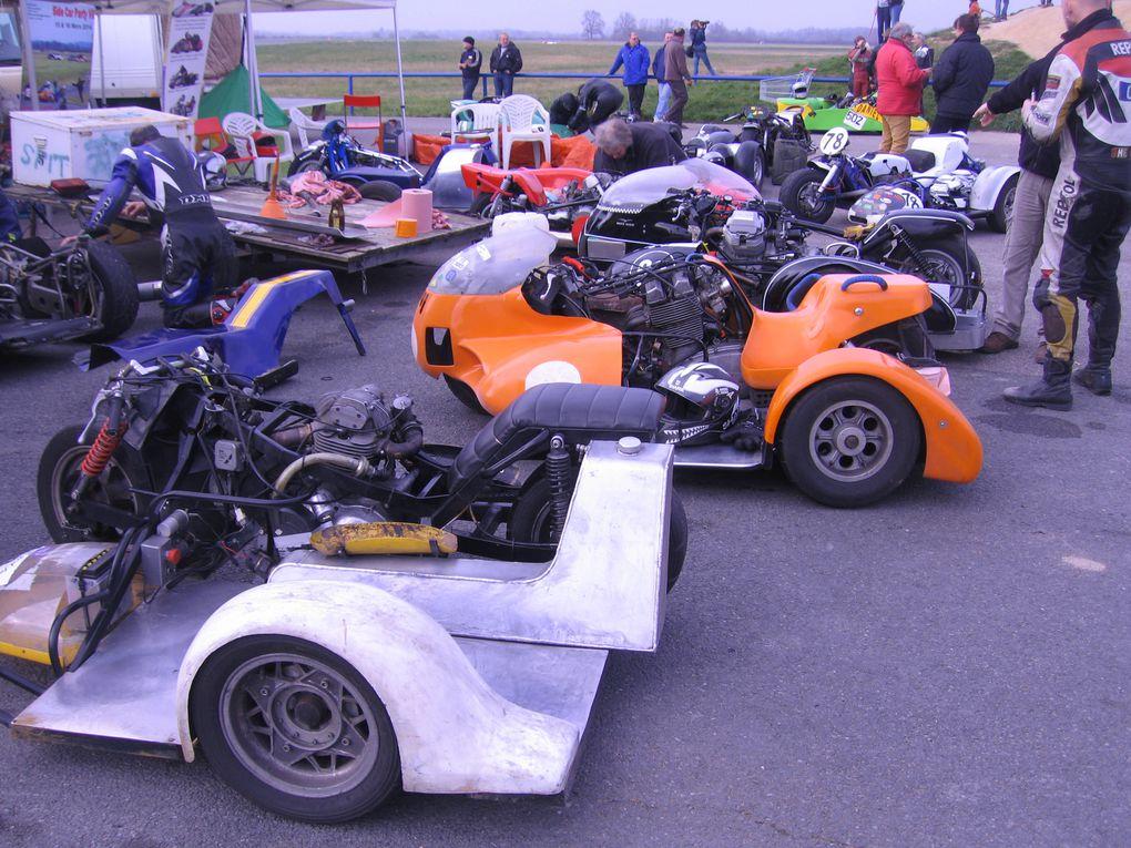 La main au panier 2014 7 eme sidecar party Lurcy Levis Démonstrations side car sur piste vitesse, anciens, F1 F2, rallye L'année du singe