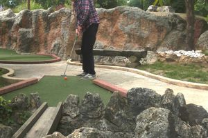 Alan : champion du monde de la SAVA de mini-golf 2014
