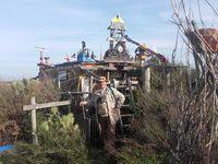 La préparation des lignes : un travail de patience quotidien de femmes de pêcheur, des pêcheurs au travail,et un habitant insolite de l'île de Culatra