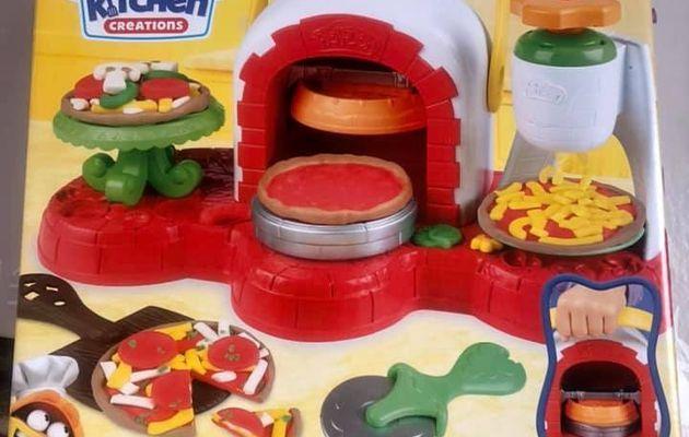 Le four à pizzas Play-Doh Maxitoys