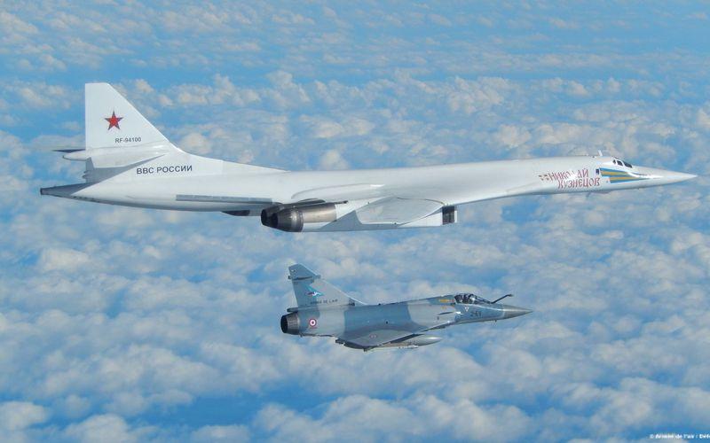 Des bombardiers russes TU-160 retrouvent les côtes de l'Europe de l'ouest, encore une fois