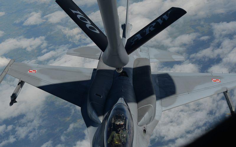 La Force Aérienne Polonaise s'engage contre l'Etat Islamique en déployant quatre F-16 au Koweït
