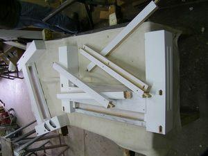 A Pont-Audemer, fabrication sur-mesure d'une table basse et meuble TV moderne pour client de Manneville sur Risle.
