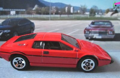 LOTUS ESPRIT S1 HOT WHEELS 1/64