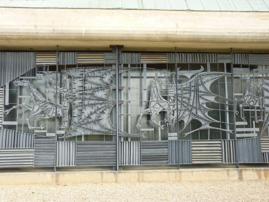 bas-relief métalliques église St Jean de Dole photos R.Levaché