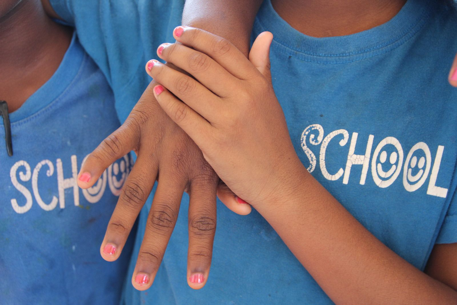 Je t'offre mon amitié d'écolière, reçois la mienne en échange ! © eMmA MessanA