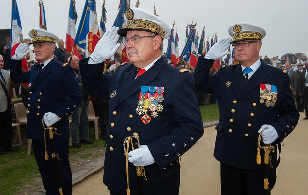 Album - 2013-09-21-Ceremonie-a-la-memoire-des-sous-mariniers--02-photos Marine Nationale