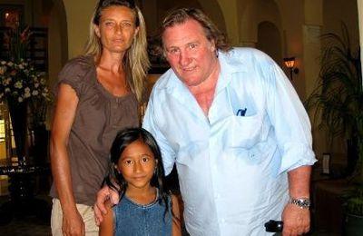 Gérard Depardieu rencontre Sandra au Cambodge