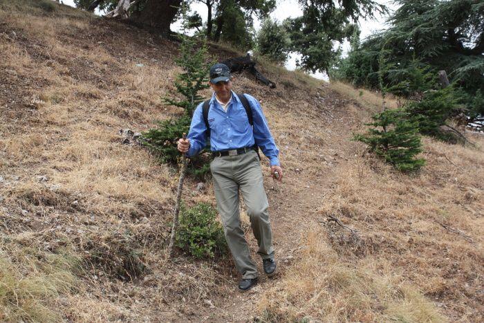Ces photos ont été prises lors d'une randonnée en compagnie des membres de l'A.S.E.T dans ce magnifique domaine forestier de cèdres d'Atlas. On peut notament y constater les nombreuses coupes qui ont été faites de manière illègale.