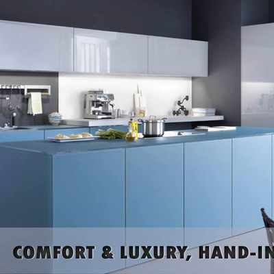 Why is the online selection of modular kitchens preferred over traditional services of carpenters?