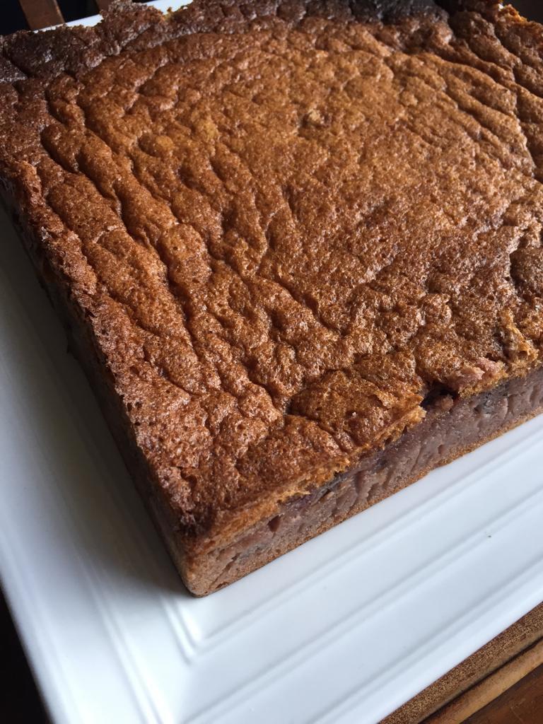 Gâteau moelleux cerises et amande amère