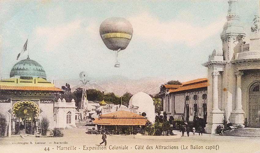 Côté des attractions. Cartes postales couleur et noir et blanc. Coll. privée