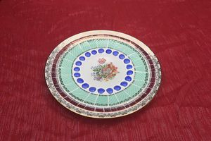 Coupe porcelaine et mosaïque picassiette.