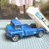 TIPPING LORRY CAMION BENNE HOT WHEELS 1/64 - car-collector.net