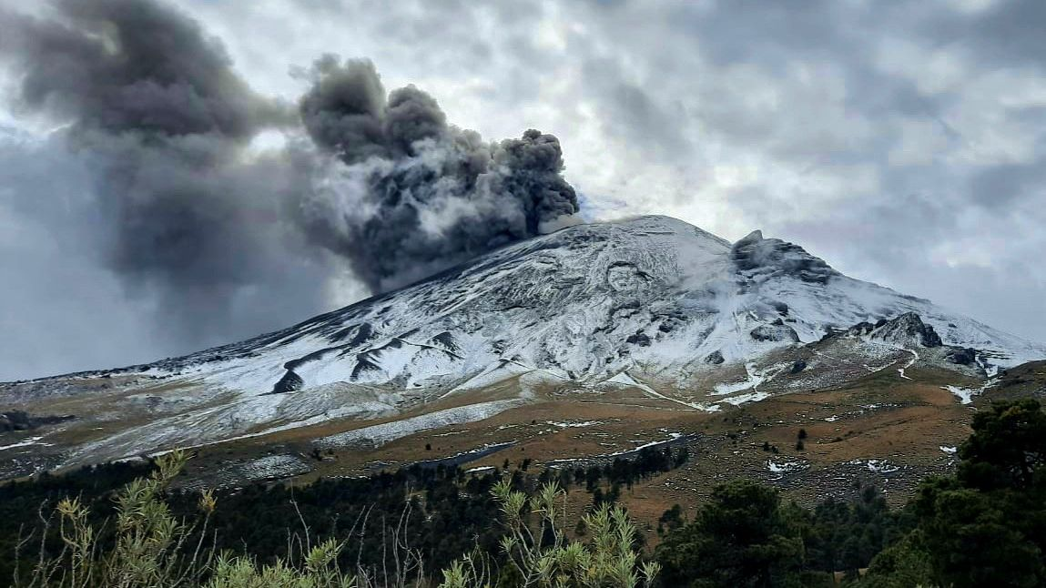 Popocatépetl - 17.01.2021 ash emission - photo © Thierry Sluys (see also article of the 17.01)