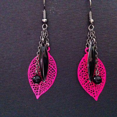 Boucles d'oreilles fuschia/noir