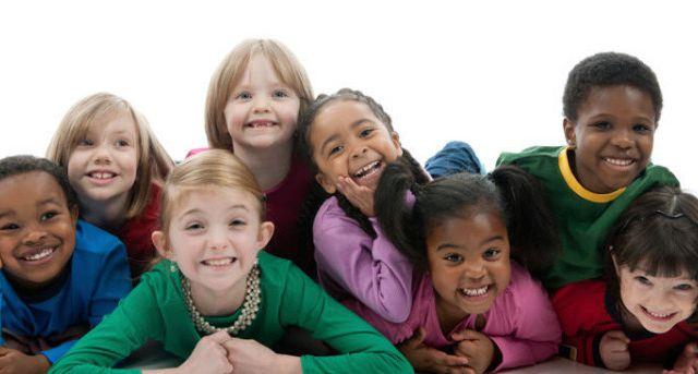 """""""Être different, être normal.."""" Atelier Phil'Osons Kids Médiathèque de Berre l'Etang Samedi 04 mars à 14H30"""