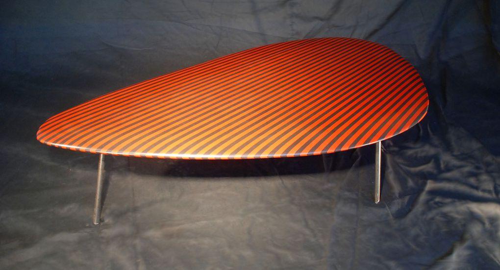 Des tables basses modernes gigognes ou séparées aux formes souples et harmonieuses
