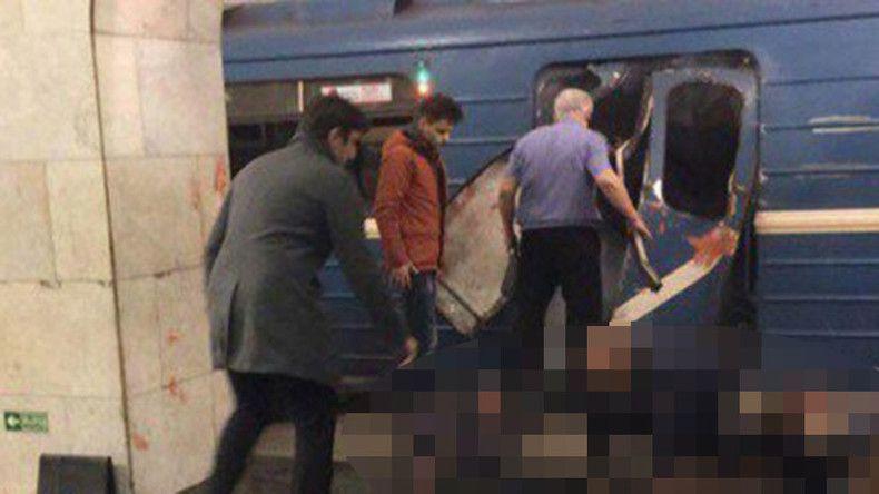 Attentat dans le métro de Saint-Pétersbourg. 14 morts, 49 hospitalisées. Le kamikaze est kirghize