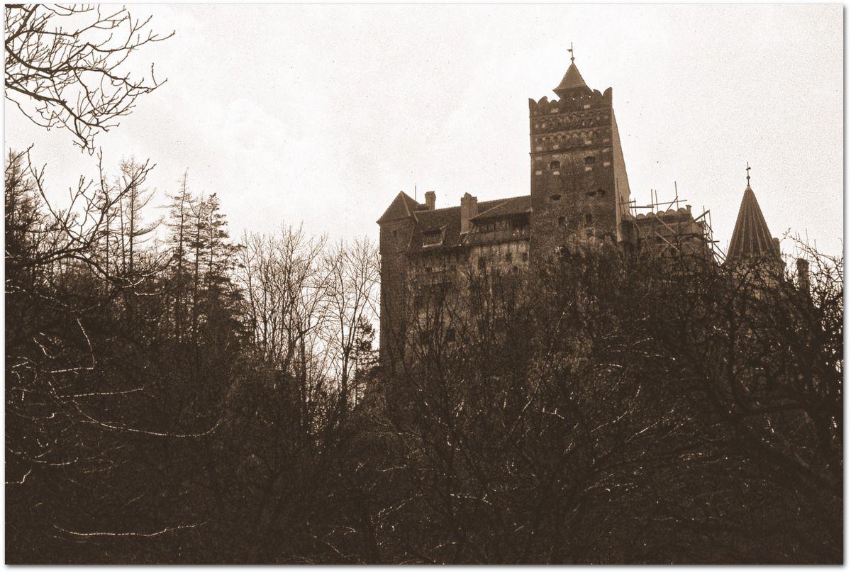 Le Château de Bran, le Faux Château de Dracula.