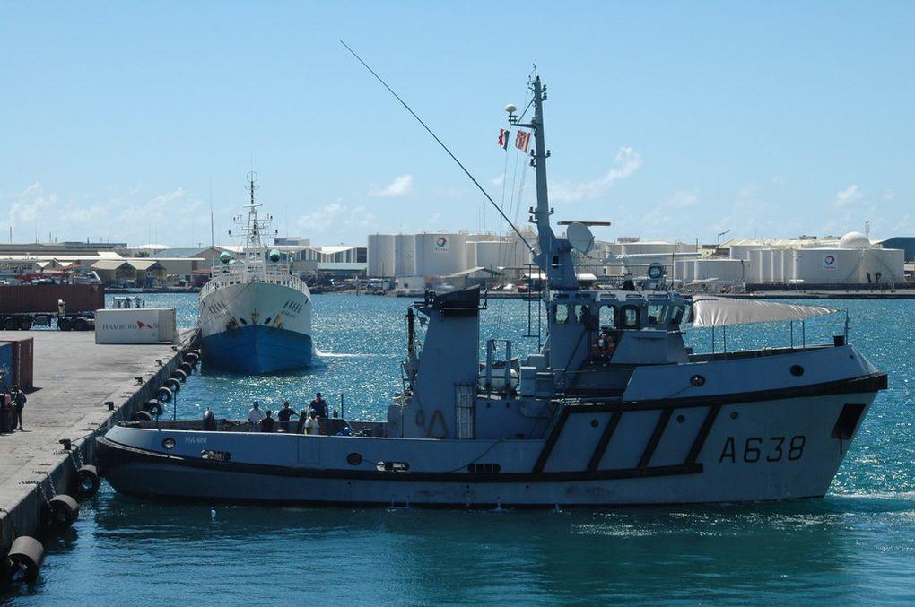 MANINI   A638 , dans le port de Papeete le 03 mai 2006