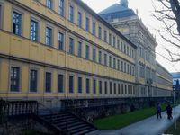 Gestiftet von Fürstbischof Julius Echter von Mespelbrunn im Jahr 1576 war das Juliusspital immer ein Kind des Hochstifts Würzburg.