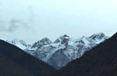 La neige arrive timidement sur les Pyrénées