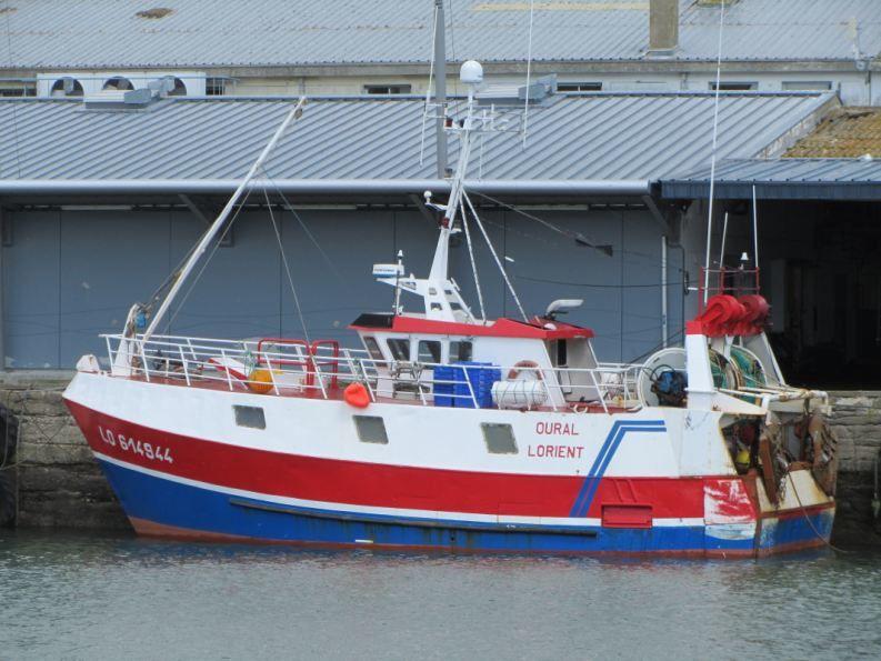 ballade photographique le long des quais des ports de plaisance et de commerce d'ici et d'ailleurs...