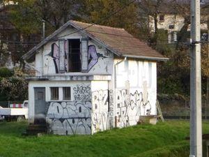 Ancienne maison de garde-barrière, avant... après...