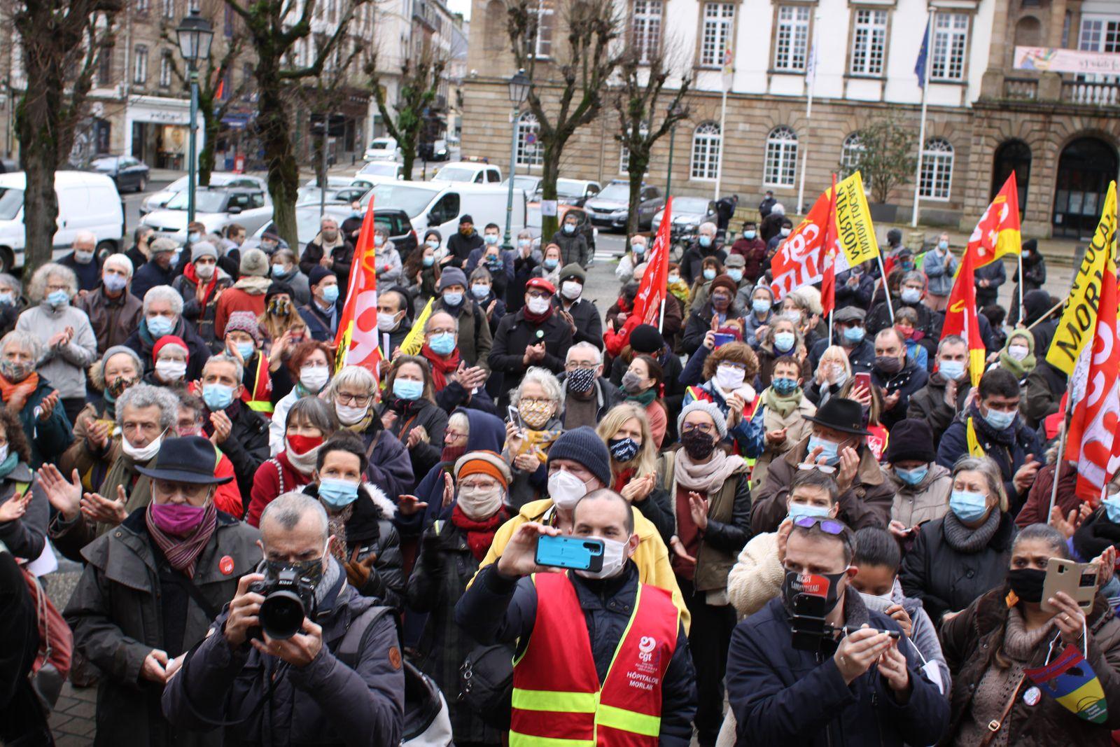 Manif du 19 janvier à Morlaix pour la régularisation des sans-papiers