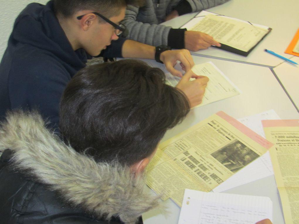 Les élèves découvrent des trésors d'archives !