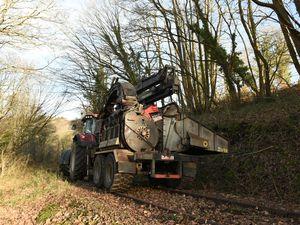 Voie verte de Quimper : le défrichement de la voie ferrée va bon train