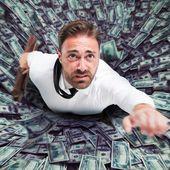 """Egon Von Greyerz: """"Les banques centrales sont en mode panique ! Le système financier risque de disparaître dans un trou noir !!"""""""