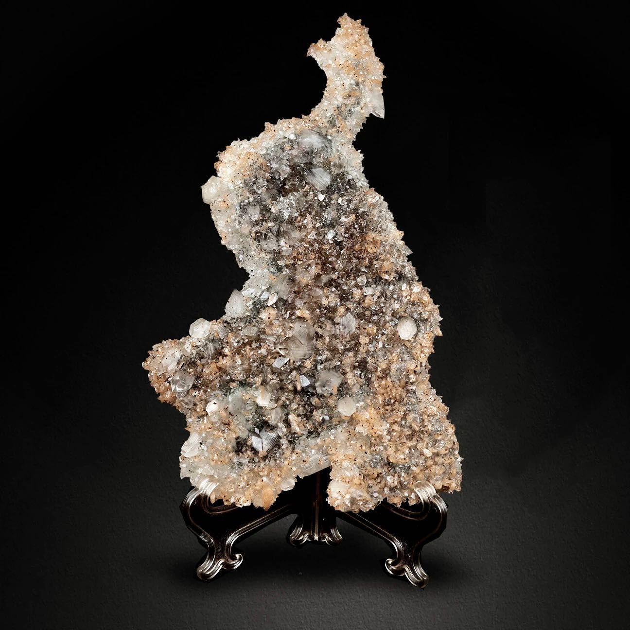Apophyllite on Stilbite from India (specimen and photo by : Superbminerals)