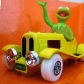 KERMIT LA GRENOUILLE CORGI 1/43 SERIE TV MUPPETS SHOW 25TH ANNIVERSARY - car-collector.net