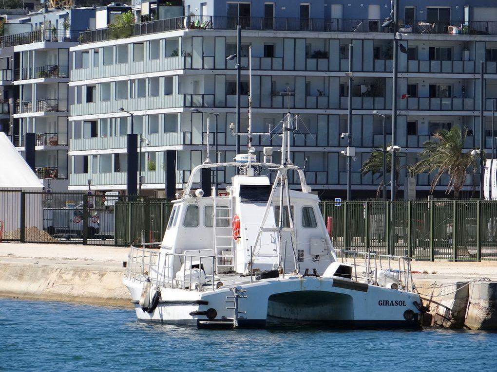 GIRASOL  , vedette de surveillance au Centre d'essais de la méditerranée (CEM) a quai à la Seyne sur mer le  06 juillet 2018