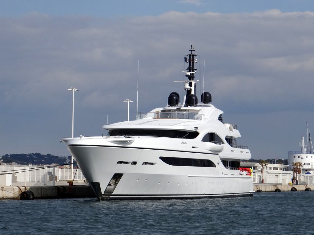 VICKY , a quai à la Seyne sur Mer le 21 mars 2018