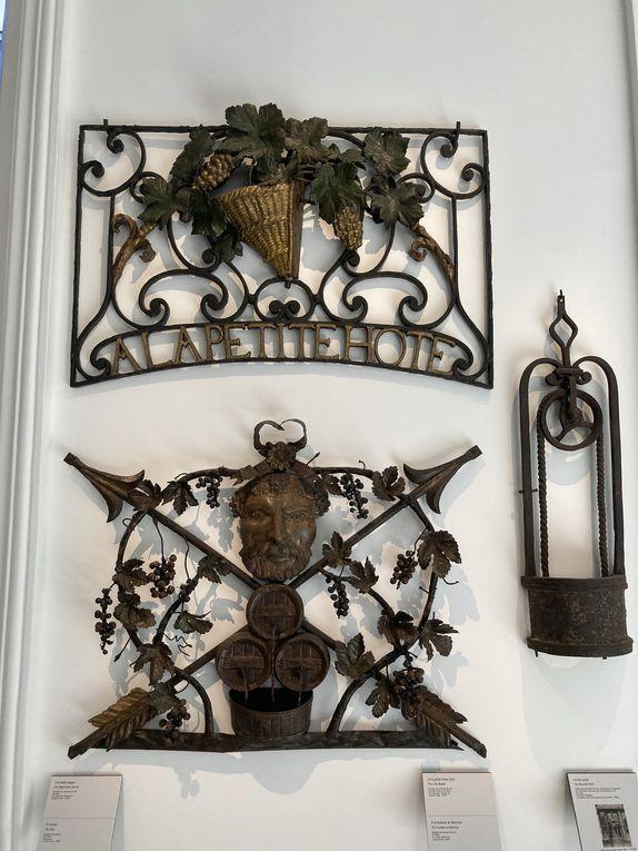 Galerie des enseignes - devantures et beaux objets (dont vase commémoratif des JO de 1924)
