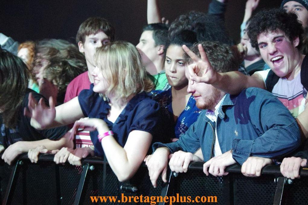 Pour terminer le festival YAOUANK 2012, en beauté,  comme tous les ans, se déroulait au Musik Hall, le plus grand Fest Noz de Bretagne