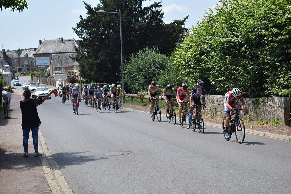 Album photos et classements du Tour du Domfrontais (61) en 2, 3 et J