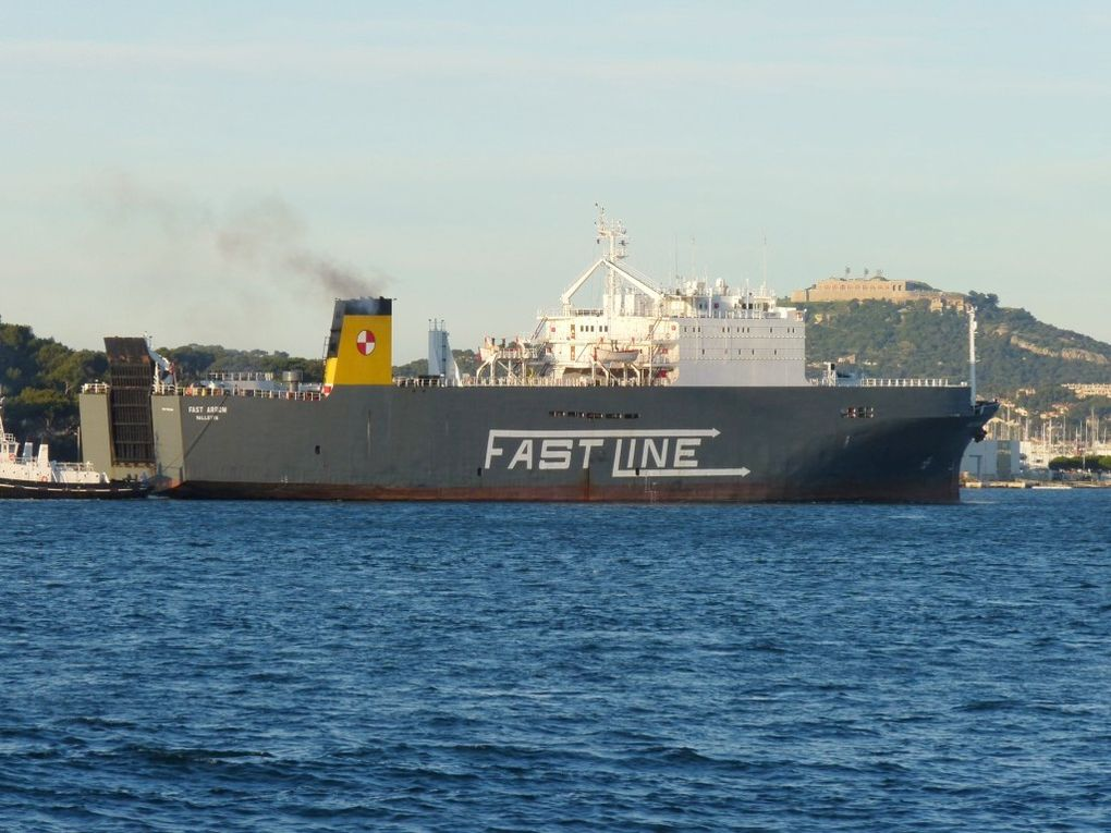 FAST  ARROW , arrivant à Toulon le 10 novembre 2009