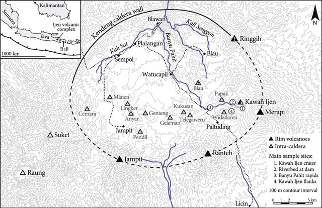 Le Raung et la caldeira Kendeng - From van Hinsberg and others (2010) /  GVP