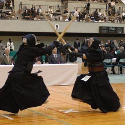 Vue des coulisses d'un passage de grades en Kendo