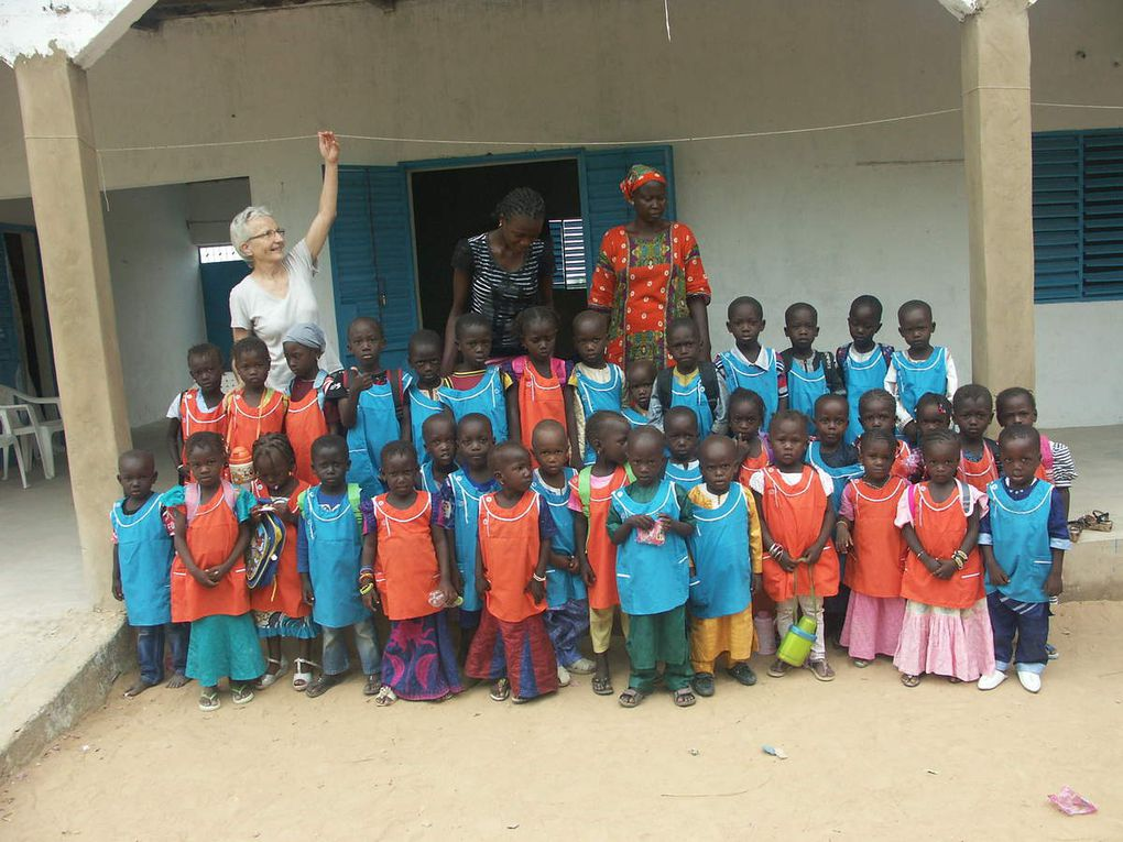 Der Kindergarten füllt sich nach und nach, Ende Dezember haben wir 50 Vorschulkinder! Zeit, den Bau des Mehrzweckraums zu Ende zu bringen...