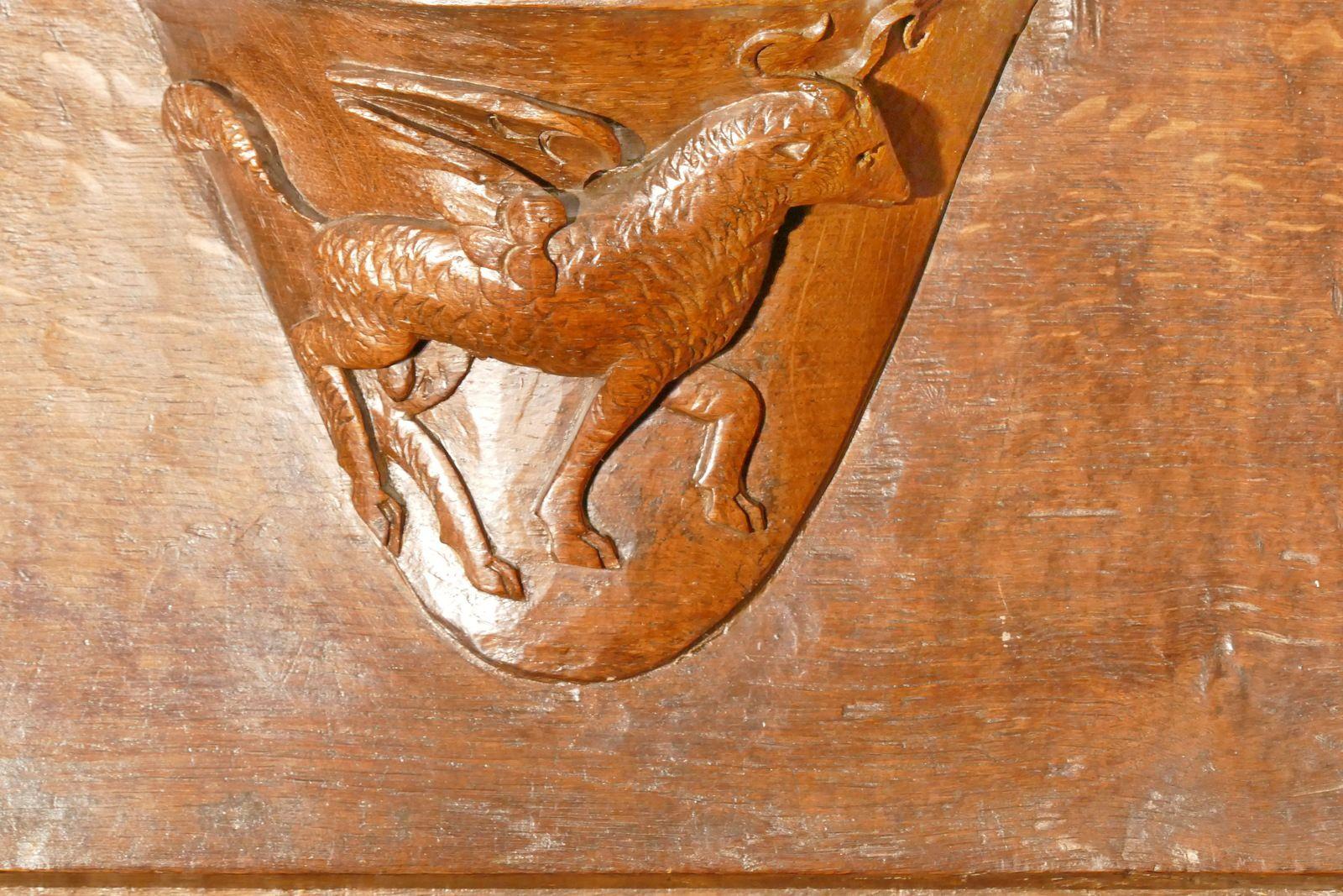 Les stalles (v. 1528-1550) de l'ancienne collégiale La Madeleine de Champeaux. Photographie lavieb-aile août 2020.