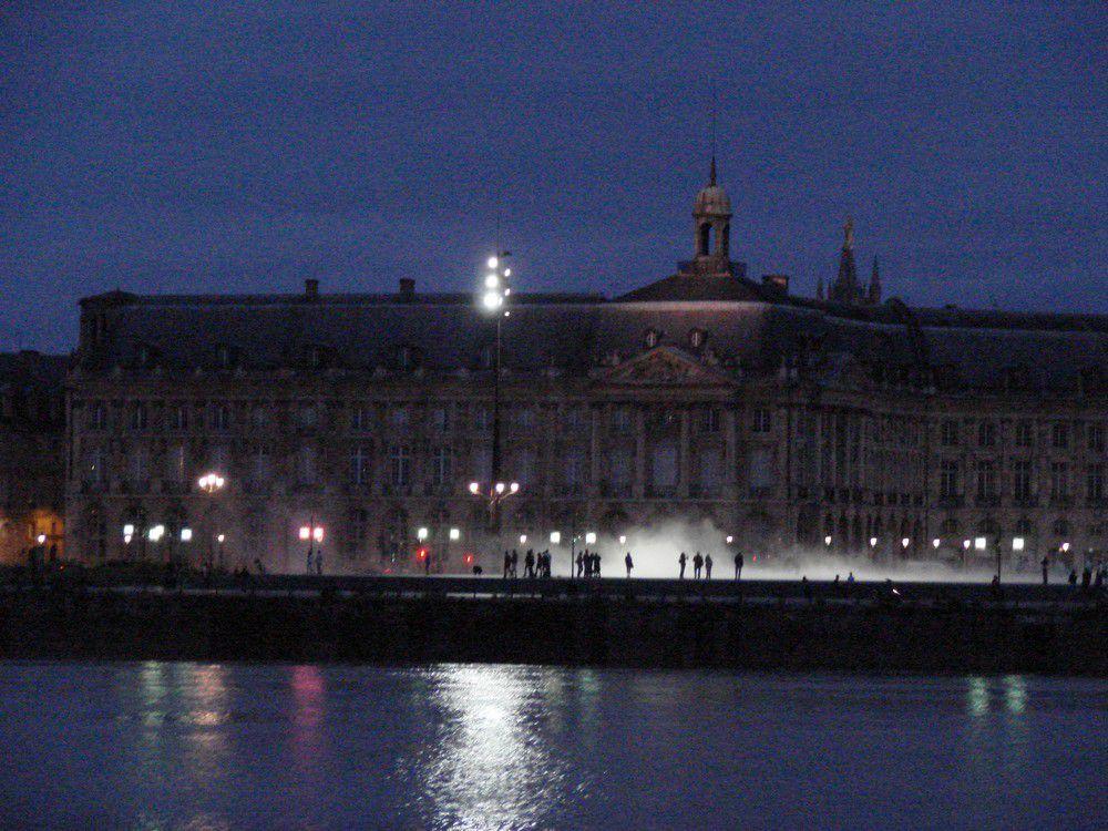 Quelques photos de Bordeaux, la nuit...