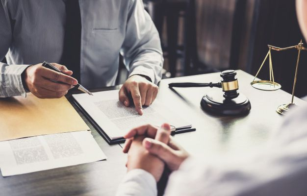 Divorce Attorney In Tampa: Factors To Consider When Choosing A Lawyer